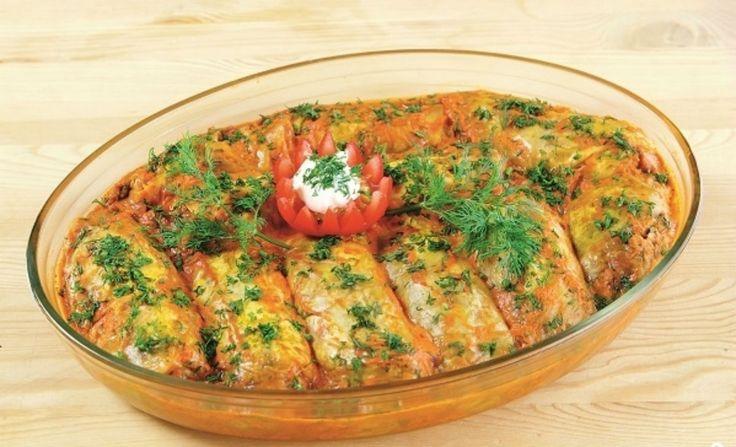 Ha azt gondolod, hogy a töltött káposzta a hústól finom, akkor meg kell kóstolnod a sütőben sült zöldséges variációját! Ez egyszerűen fenséges! Hozzávalók: 300-350 g gomba, 100 g rizs, 1-2 db hagyma, 1-2 db sárgarépa, zöld petrezselyem, vagy kapor ízlés szerint, 2 evőkanál olaj, fél kiskanál só, 1 közepes nagyságú[...]