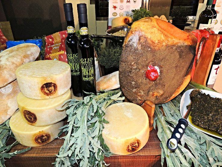 Prosciutto, pecorino, pasta, pane della Toscana
