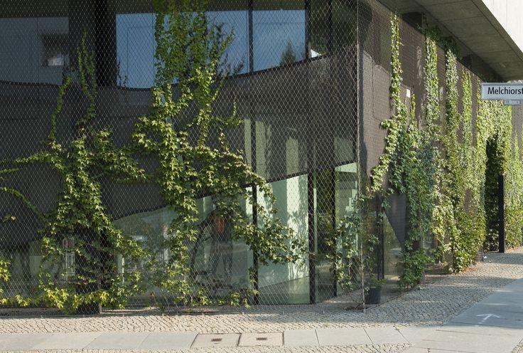 X-TEND nerezové sítě, nerezové/ nehrdzavejúce sietě, zelená fasáda, vertikální ozelenění, treláž pro rostliny. www.carlstahl.cz