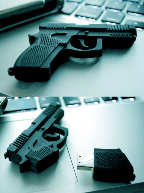 gun USB flash drive. Almost as cool as my turtle one!