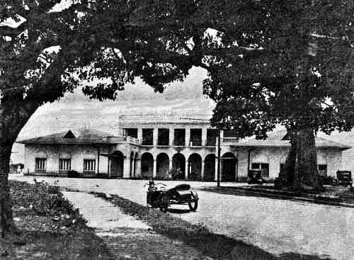 Club Miramar al final de la calle 45 de Bella Vista, parque Urracá a la derecha.