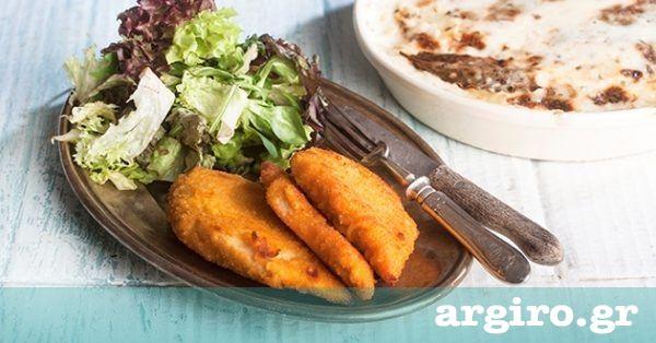 Σνίτσελ κοτόπουλο στο φούρνο από την Αργυρώ Μπαρμπαρίγου   Νόστιμο, τρυφερό, με τραγανή κρούστα. Μαζί με τις πατάτες με κρέμα και τυριά θα το λατρέψετε!