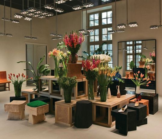 celine-hotel-colbert-de-torcy-paris-wsj-2015-habituallychic-003-1024x874