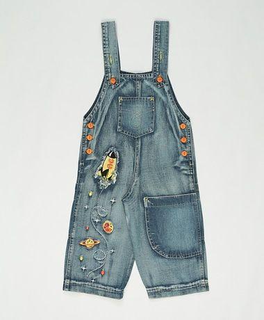 Jardineira jeans azul                                                                                                                                                                                 Mais