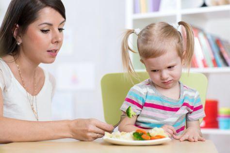 Wählerische Esser? Kein Problem! Wir geben ein paar Erste-Hilfe-Tipps bei wählerischen Essern - so schmecken den Kindern auch Obst und Gemüse!
