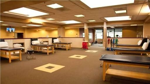 8 best physical therapy interior images on pinterest for Physical therapy office layout