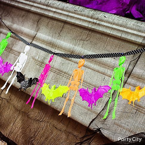 create a gruesome twosome garland your little monsters will skeletons and bats - Halloween Party Store