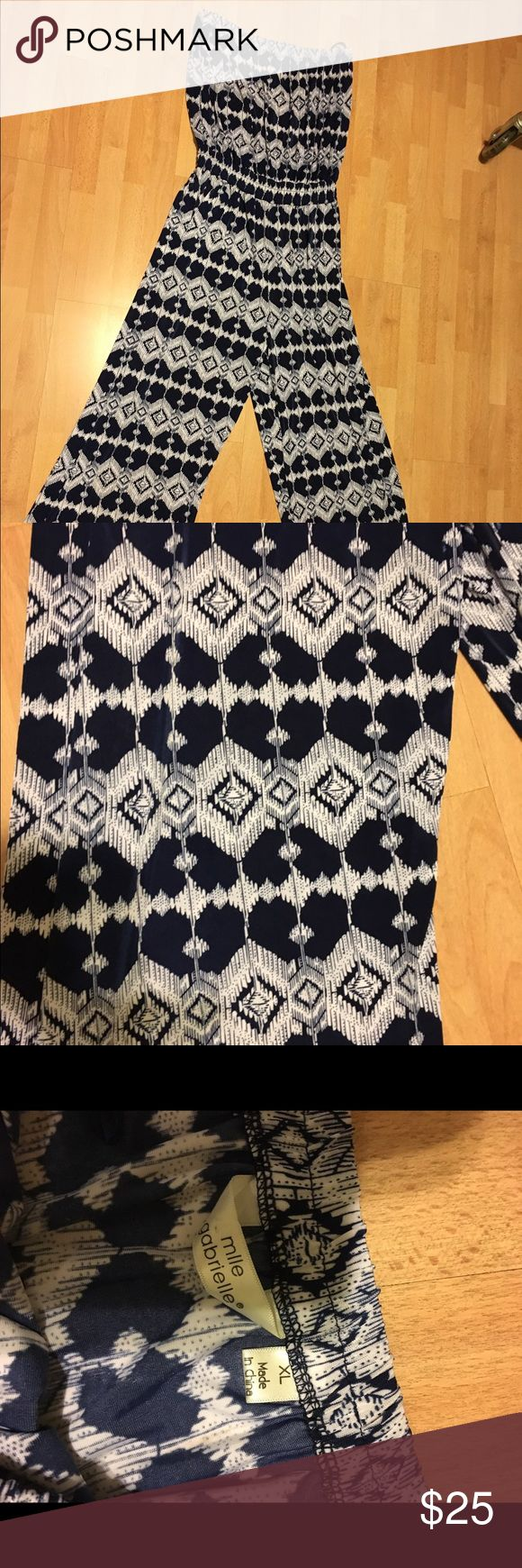 Strapless jumpsuit Navy Blue and white jumpsuit nice and comfortable. Other