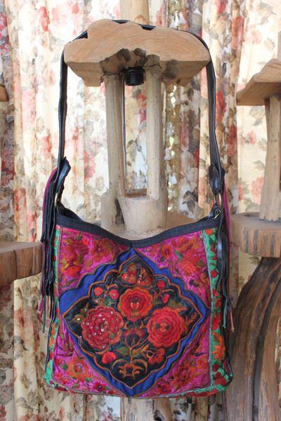 Handtassen - Elegante Hilltribe Hobo Schoudertas met leer - Een uniek product van MissBliss_Jennifer op DaWanda