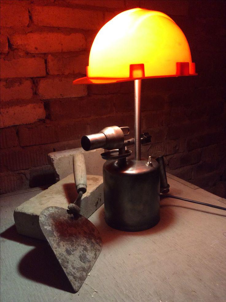 Светолампа для настоящего строителя