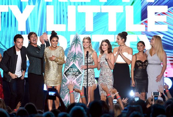#PrettyLittleLiars Cast #TeenChoiceAwards