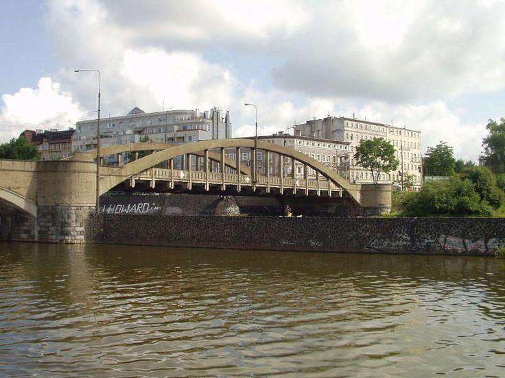 Most Warszawski i widoczne w oddali kamienice przy ul. Galla Anonima #Wroclaw