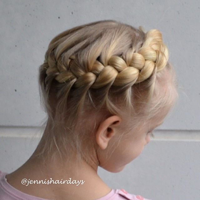 French crown braid by Jenni's Hairdays Ranskalainen kruunuletti
