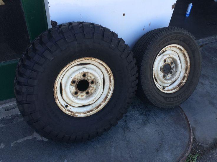 New rubber!  33x10.50-15 BFG KM2's stock early bronco wheels 15x5.5