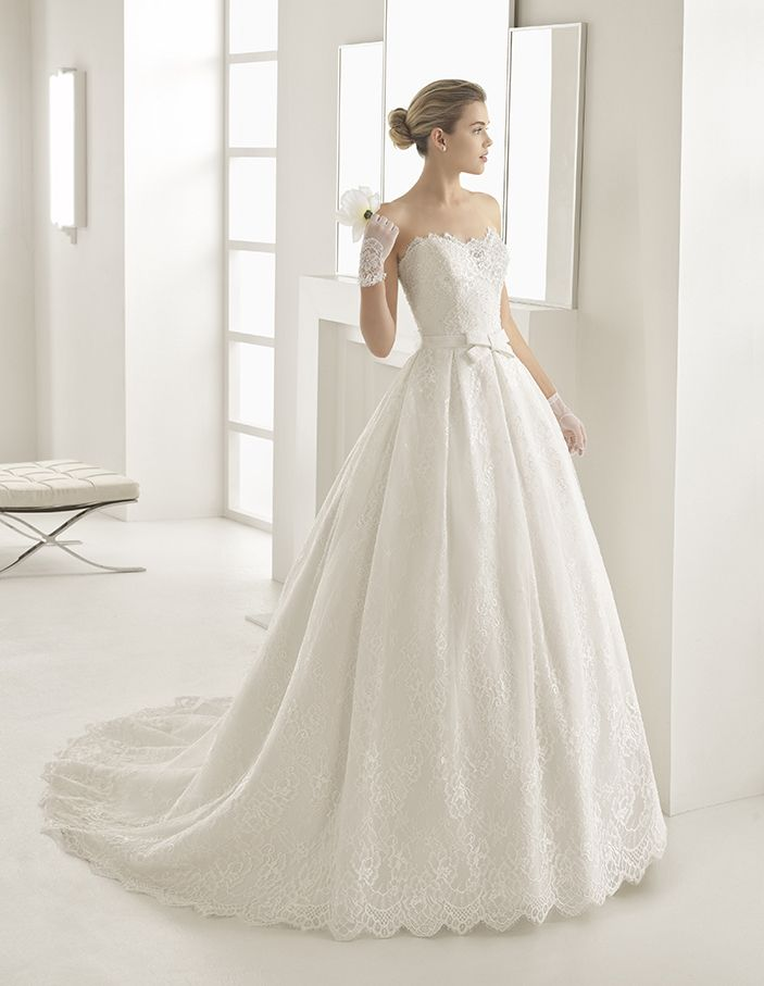 Olga - Beaded lace princess-style dress with sweetheart neckline and natural waist, in natural.
