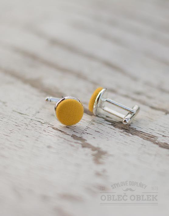 žluté manžetové knoflíčky Obleč oblek