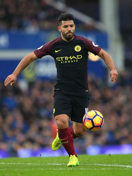 Sergio Aguero of Manchester City runs with the ball during the Premier League match between Everton and Manchester City at Goodison Park on January 15, 2017 in Liverpool, England.