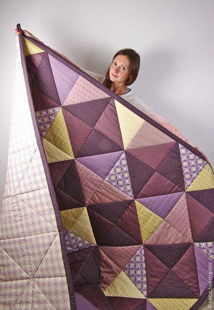Купить или заказать Большое фиолетовое лоскутное одеяло в интернет-магазине на Ярмарке Мастеров. Одеяло в благородных темо-фиолетовых и приглушенно-розовых тонах. Было сшито на заказ в спальню, где преобладают фиолетовые цвета в интерьере, поэтому одеяло придало комнате законченный вид. внутри одеяла - плотный синтепон. Лоскутное одеяло может стать замечательным подарком на День Рождение , свадьбу, новоселье, рождение малыша и многие другие…
