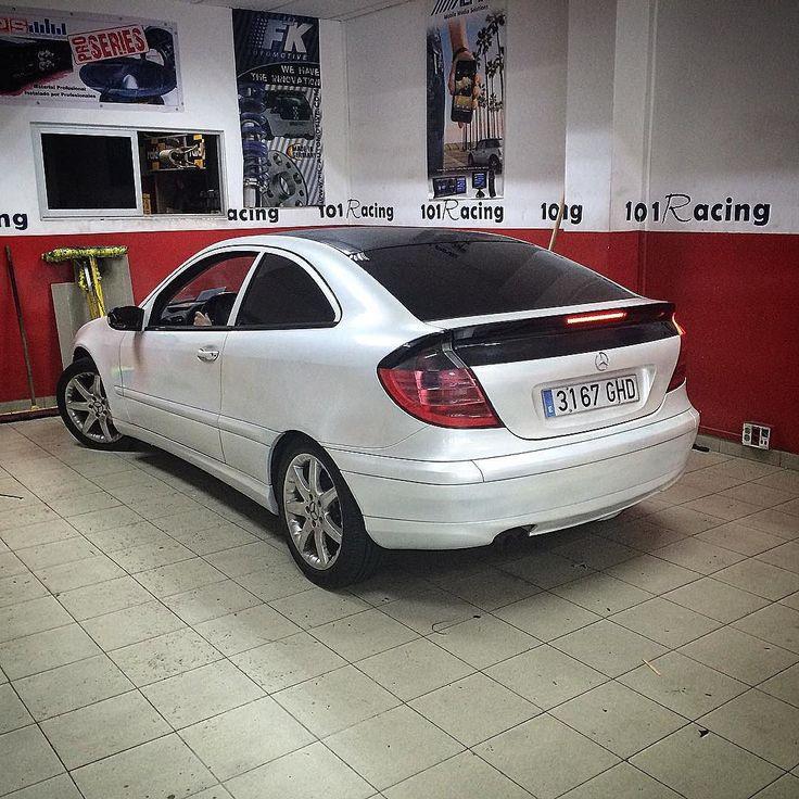 La lámina solar #3m pude dar un nuevo #look a cualquier coche incluso a este #Mercedes #sportcoupe. #mercedes #amg #mercedesbenz #benz #bmw #car #ferrari #laspalmas #cars #luxury #lamborghini #carporn #supercar #mercedesamg #carswithoutlimits #mclaren #bentley #instacar #supercars #love #v8 #brabus #maserati #ford #c63 #amazingcars247 www.101racing.es