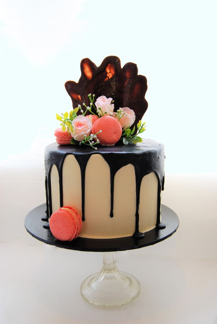 Drizzle cake 195 8 inch triple stacked wedding cakes