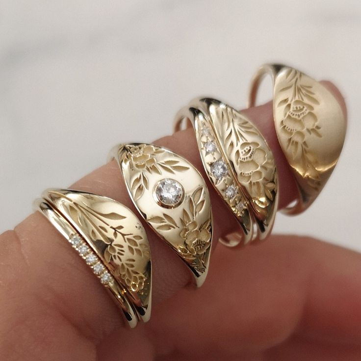 Gold flower ring vintage style floral crown ring