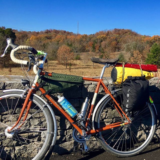 Picture taken near the Natchez Trace trail head just outside of Nashville, TN. Adam Vinson did a short tour this past November (Nashville, TN to Oxford, MS) to benefit his hometown's (Oxford, MS) chapter of the @Unitedunitedway.  #ultralight #ultralightbikepacking #biketouring #arkel #bikepacking #gravelbike #rideyourbike #cyclinglife #waterproof #travelsouthafrica #worldbybike #dry-lites #bicycleadventures #bicycletouring #bikelife #biketour #cycletouring #cycling #cyclingphotos…