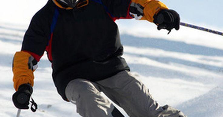 ¿Qué es una camiseta térmica?. Las camisetas térmicas están diseñadas para ayudarte a retener el calor en bajas temperaturas. Hechas de mezclas de algodón, nylon, spandex, poliéster, lana o felpa, se usan frecuentemente por esquiadores, cazadores, alpinistas y otros que participan en actividades del exterior con clima frio.