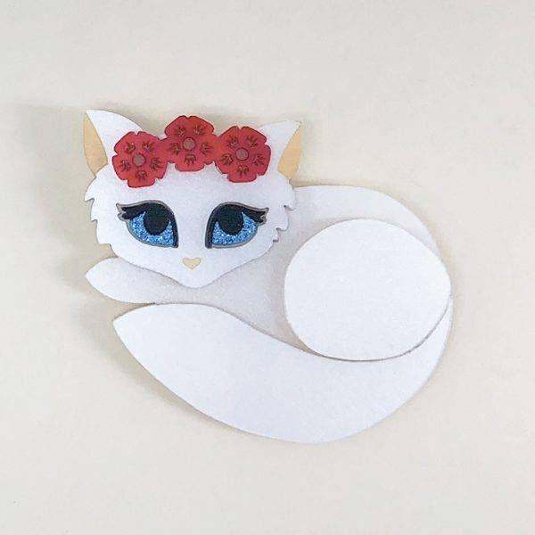 Peppy Chapette Flower Queen Kitten (White/Red)