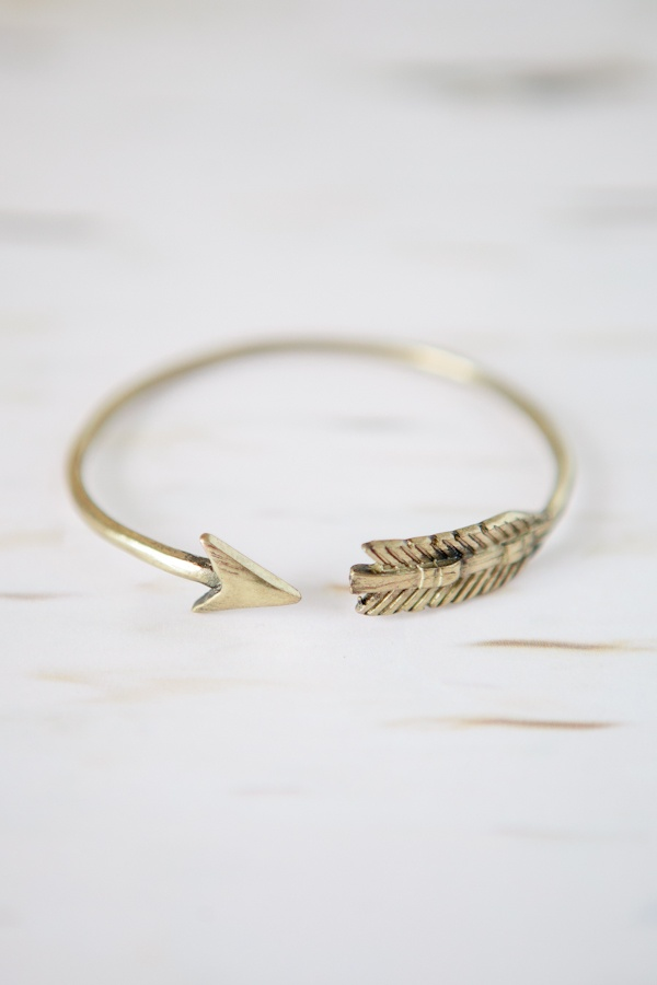 One for you @Helen Cresswell Feather & Arrow Gold Bangle