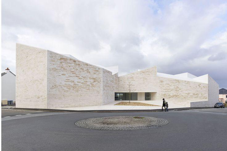 atelier fernandez & serres, Stéphane Chalmeau · Cultural Building «Cour et Jardin» · Divisare