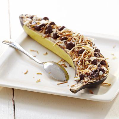Baked Banana Boats & Granola: Raisinets Snacks for Kids on FoodBlogs.com