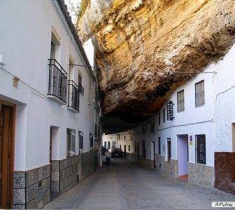 setenil-of-the-wine-street
