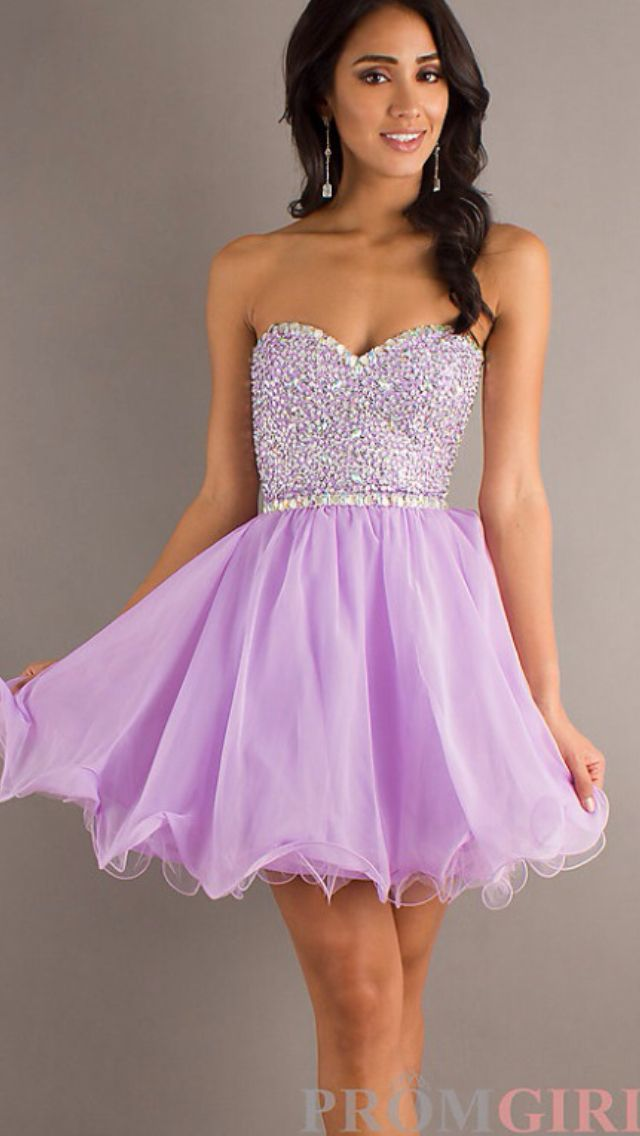 Lavender formal dress. Oooh pretty. I love dresses.