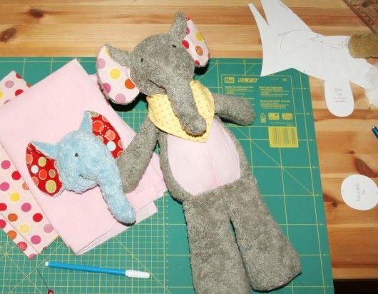 "Erster Schulterblick: Working on Kumi: Der knuffige Elefant ""Kumi"" wird schon in wenigen Tagen als Schnittmuster inkl. ausführlicher Nähanleitung verfügbar sein //  Preview: Working on Sewing pattern for plush elephant ""Kumi"" (coming soon)"
