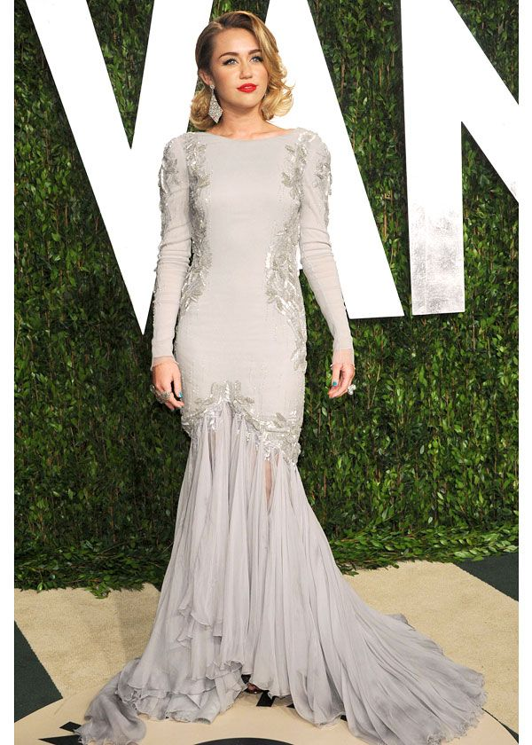 IB.com LOVES : A stunning Miley Cyrus / Oscars 2012 Vanity Fair after-party