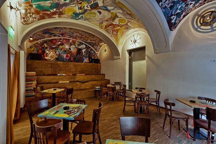 Casa TIFF bar design in Cluj Napoca - Roamnia