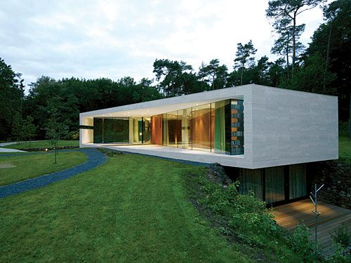 Villa 1 slideshow record houses architectural record for Villa architect