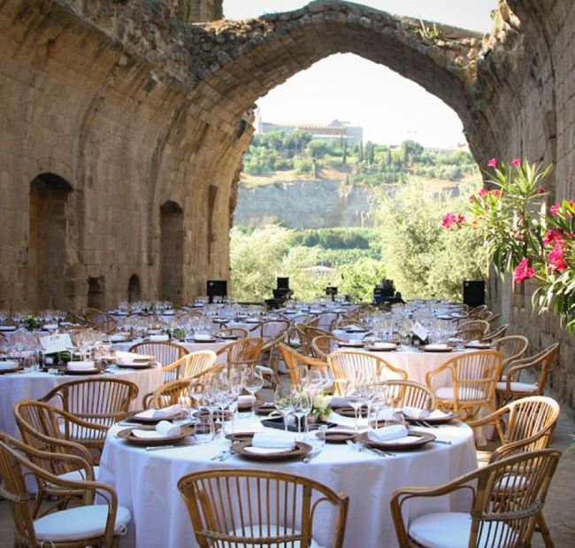 outdoor rustic wedding decor...wedding venue in Umbria...beautiful