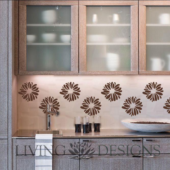 Las plantillas Living Designs son una solución económica y práctica para pintar y decorar paredes, sólo necesitas rodillo, brocha y pintura. Fácil de aplicar y retirar