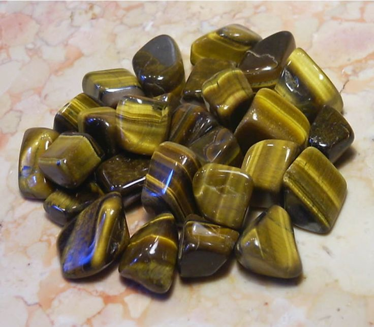 Tiger's Eye brings inner calm and stability to the wearer, strengthens his spirit, protects sorcery, nightmares, malignant manipulations. It heals paralysis, blood diseases, osteochondrosis, arthritis and inflammations of bone tissue. It is helpful in cases of schizophrenia, various mental disorders and impulsive obsession. reduces weariness and irritability, improves various heart and asthmatic conditions. It helps focus the mind, strengthens convictions, and confidence.