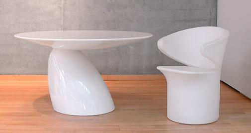 Eero Aarnio - Tisch Parabel - Stuhl Focus