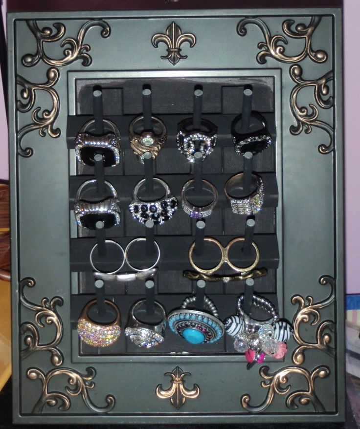 diy ring holder just use an old picture frame and buy a bobbin holder from