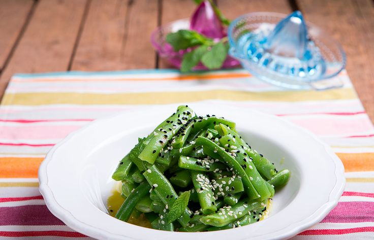 Σαλάτα με πράσινα φασολάκια και βινεγκρετ μέντας