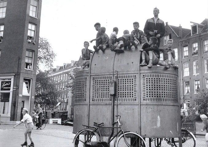1950's. Playing on top of a urinoir at the Lijnbaansgracht in Amsterdam. #amsterdam #1950 #Lijnbaansgracht