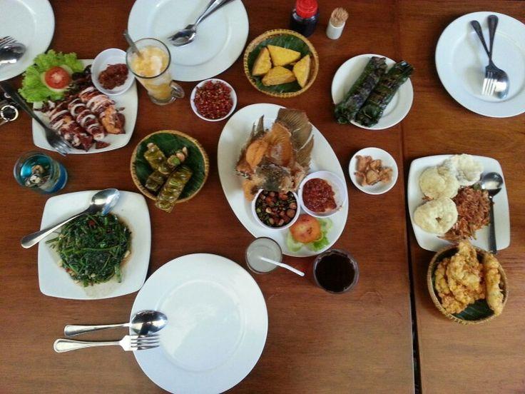 Makanan ala Sunda at gili gili restaurant bogor -indonesia