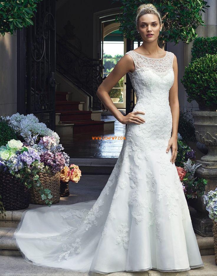 Vlečka na zem Obrácený trojúhelník Výšivka Levné svatební šaty