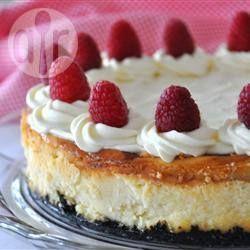 Cheesecake met frambozen en witte chocolade @ allrecipes.nl