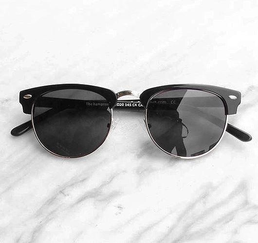 Classic: Sonnenbrille Clubmaster. Hier entdecken und shoppen: http://sturbock.me/oI1