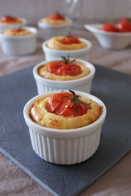 Cake à la tomate farcie @embauer23, tomato cake! and the recipe is in french! let's make it :D