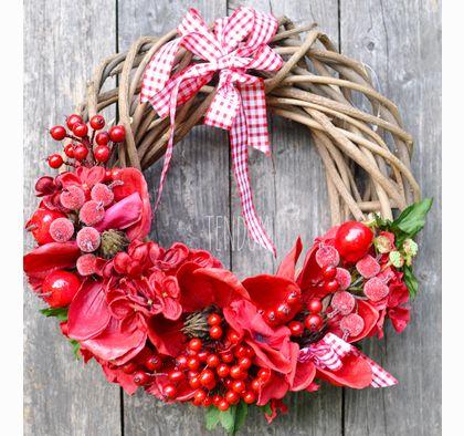 wianek zimowy Red Flowers